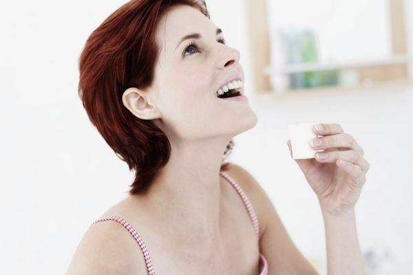 Можно ли при ангине полоскать горло содой