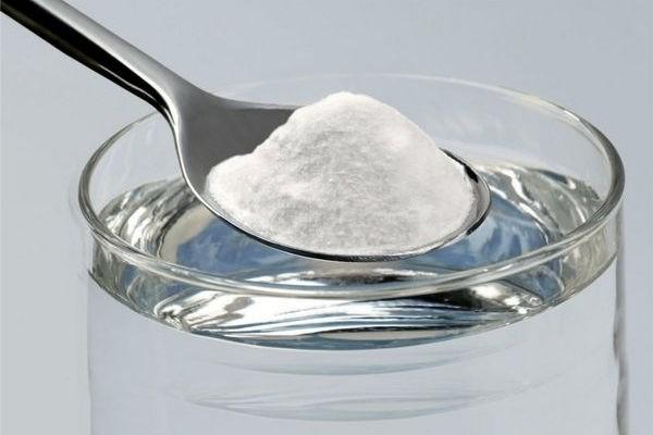 Раствор соды и соли для полоскания при ангине