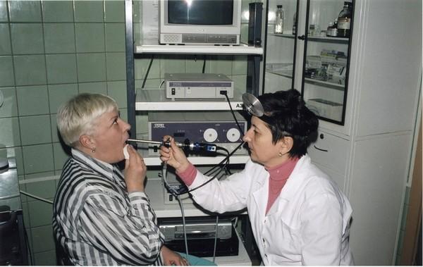 Лечение узелков на голосовых складках