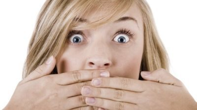 Что такое галитоз — неприятный запах из-зо рта?