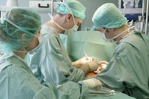 Киста горла - операция