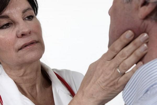 Папиллома в горле: симптомы, причины и лечение