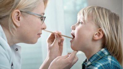 Как распознавать и лечить детский тонзиллит