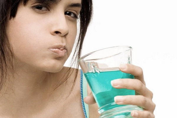 Чем полоскать горло при хроническом тонзиллите